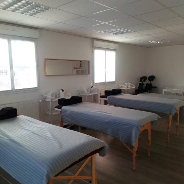 salle de techniques esthétiques et massages